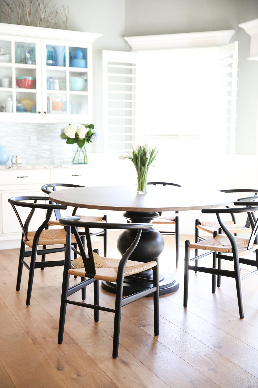 How to choose a round kitchen table and chairs saramichellewells round kitchen chair and table workwithnaturefo