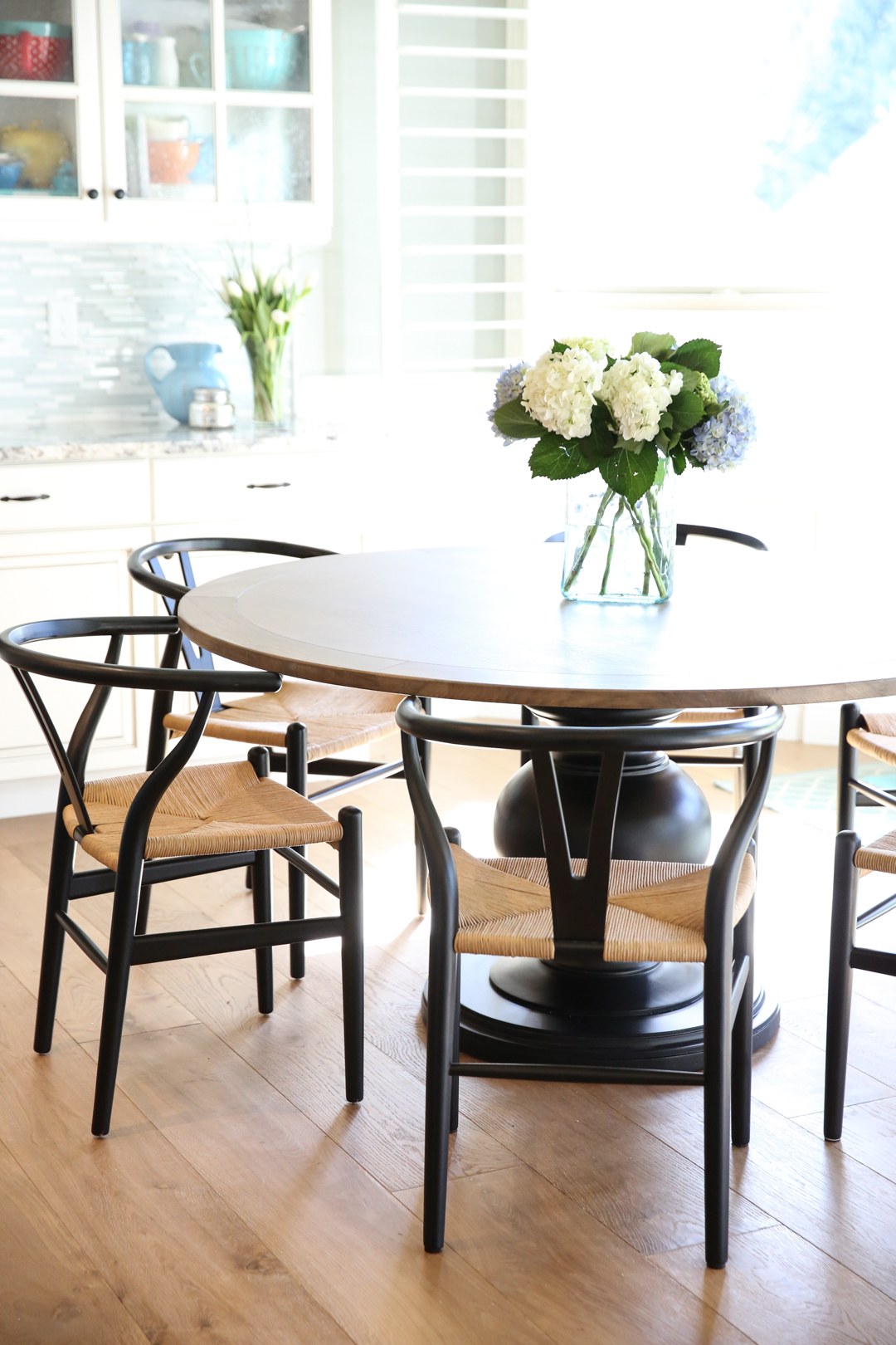 wishbone chairs and round table