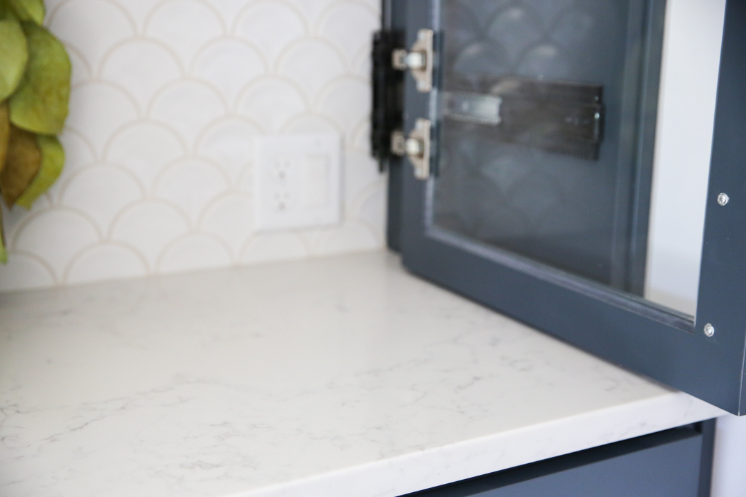 quartz counter top white marble